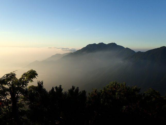 鳳凰岳方面の絶景